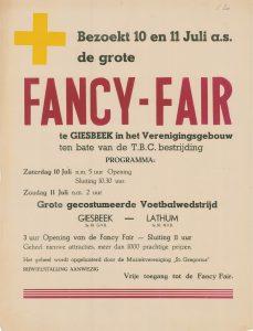D20 Fancy fair ten bate van de T.B.C. bestrijding met gecostumeerde voetbalwedstrijd Zaterdag 10 en zondag 11 juli Verenigingsgebouw, Giesbeek