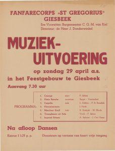 A195/A228 Fanfarecorps St. Gregorius, Giesbeek Muziekuitvoering, na afloop dansen Zondag 29 april Feestgebouw, Giesbeek
